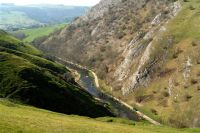 https://derbyshiredalesdrive.files.wordpress.com/2013/01/12-03-24-dovedale-004.jpg